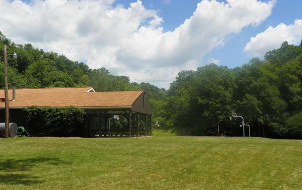 Shutlz Lodge